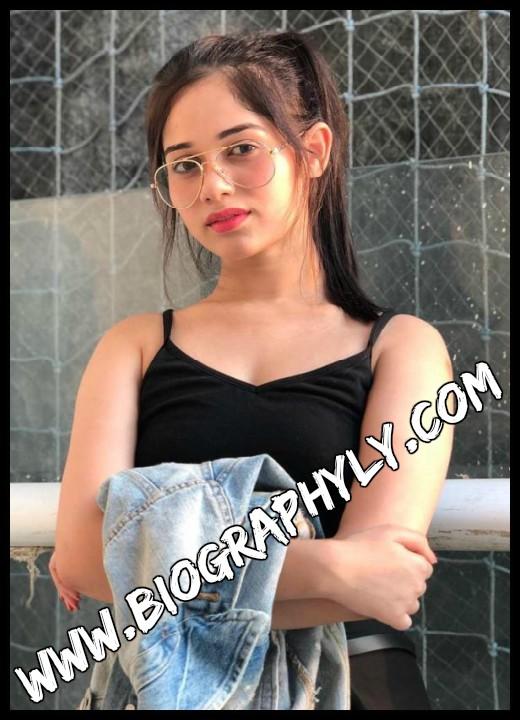 jannat zubair hot scene