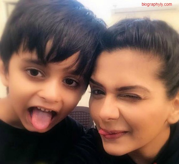 dalljiet kaur with her son