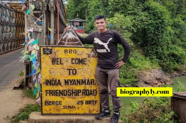 Nomad Shubham Biography Height Weight Age GF Income Home Nationality Number Whatsapp